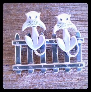Jewelry - BEAU Sterling Angry Kitty Cats on a Fence